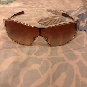 Women's Oakley Dart - Never Worn. Gold